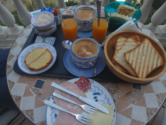 Villa Palumbo B&B: Breakfast