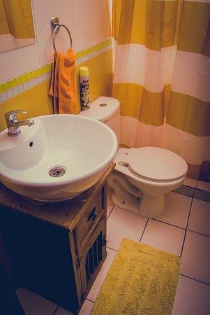 Landay Hostel: Baños habitación privada