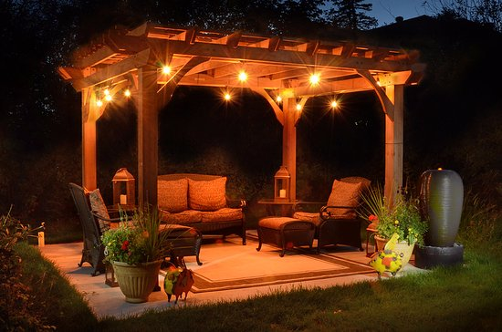 A G Thomson House Bed and Breakfast: Pergola!