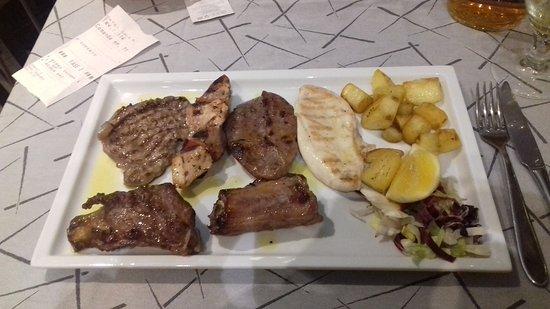 Gattatico, Italia: Grigliata di carne