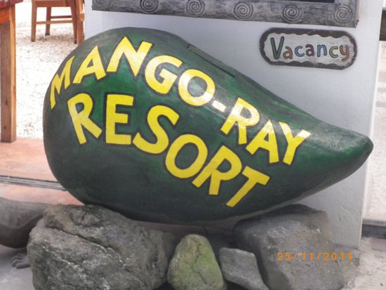 Mango-Ray Resort : Utanför ingången.