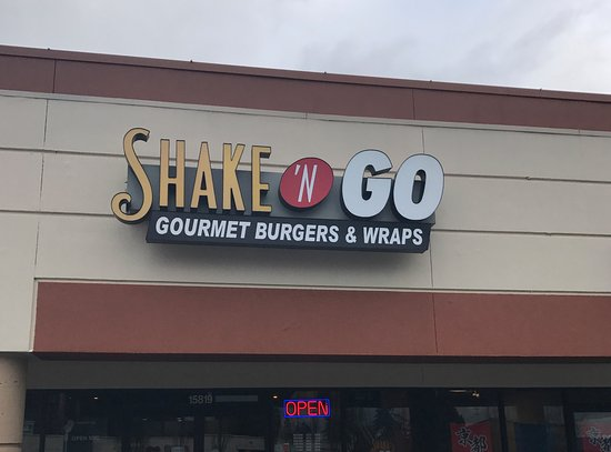 Shoreline, WA: Not gourmet at all. Not even fast food anymore!
