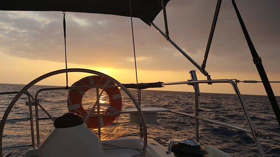 Hawaii Island Sailing