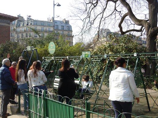 Les toilettes publiques - Photo de Parc des Buttes-Chaumont, Paris ...