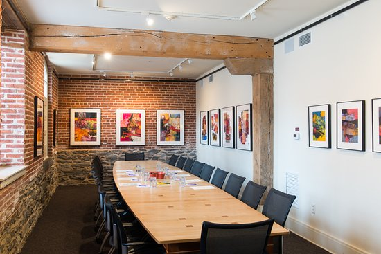 Lancaster Arts Hotel : Art Gallery/Meeting Room