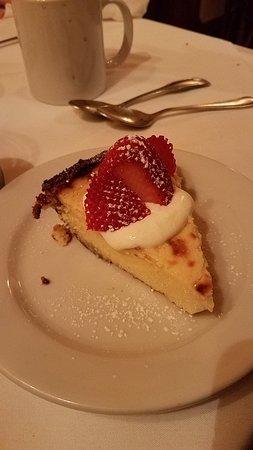 Trattoria Milano: Save room for dessert. The pistachio ice cream was fabulous.