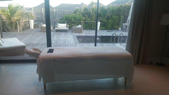 Exuma Healing Hands Massage Service: Indoor Massage @ Stanielrents Staniel Cay Exuma