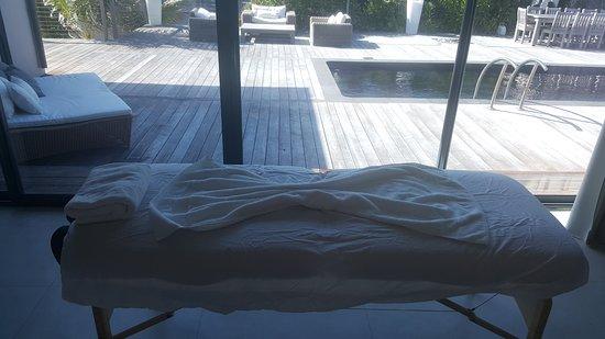 Exuma Healing Hands Massage Service: Massage table ready for a body scrub