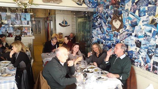 Thessaloniki Region, Grecia: Ωραίες γεύσεις, καλά υλικά, παραδοσιακό περιβάλλον και κυρίως πολιτισμός άκαπνο! !!Μπράβο στον c