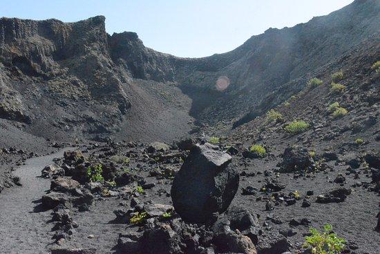 Tinajo, Spain: intérieur du cratère