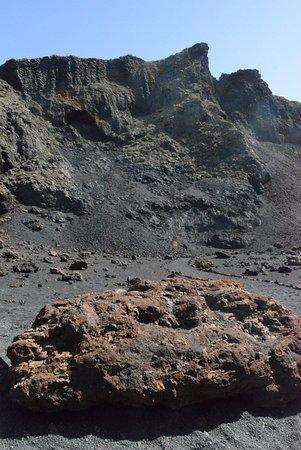 Tinajo, Spain: intérieur du volcan