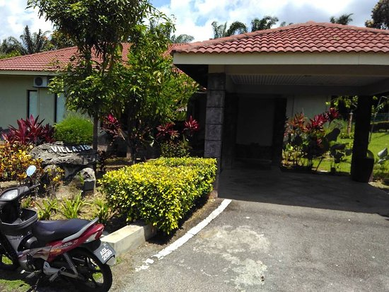 Felda Residence Hot Springs: Individual rental bungalows whith three double berooms each unit.