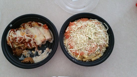 Holly Springs, Kuzey Carolina: Take out dishes uncovered from Olive Garden