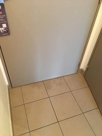 Carrieres-sur-Seine, France: Photo de la chambre pour montrer à quel point elle est sale