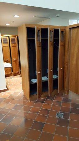 Friedrichsbad Roman-Irish Bath : Locker room before entering the spa, no photos from here in