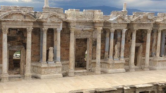 Amphitheatre : Hierapolis one of the three biggest  theater in Turkey