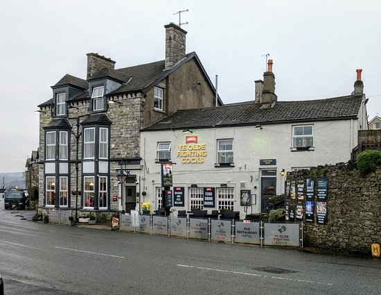 Arnside, UK: Front view of the hotel