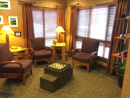 Pemberton Valley Lodge: Great lounging area.  Love the elevator quote.