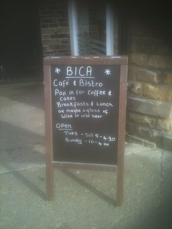 Bica Bistro and Cafe: Opening times