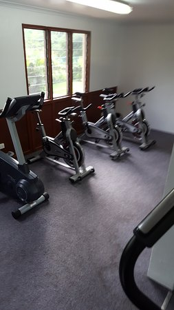 Outrigger Fiji Beach Resort: gym