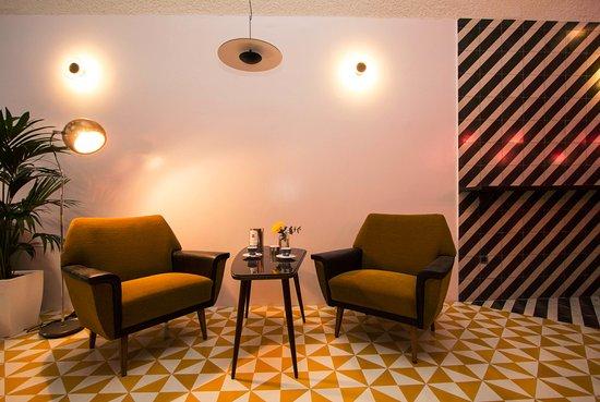 Retrome Barcelona: Cafe Lounge