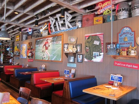 Decor along the wall picture of bubba gump shrimp co for Decor market reviews