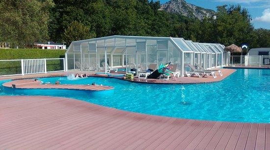Lathuile, France: belle piscine