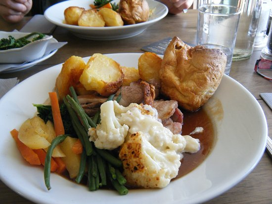 The Kings Arms: This was my very tasty Sunday roast dinner today yum yum x