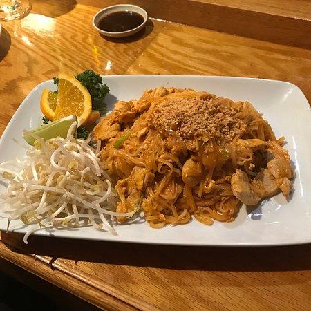 Thaicoon and Sushi Bar: Chicken Pad Thai at Thaicoon & Sushi Bar