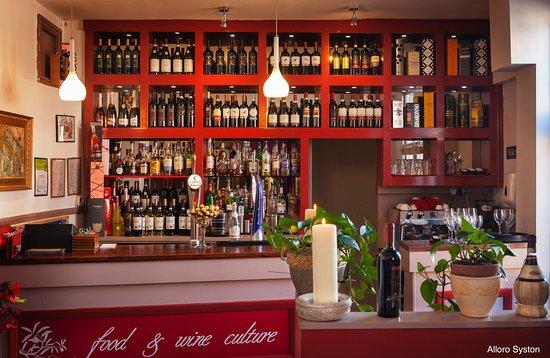 Alloro Ristorante Italiano: Alloro's authentic bar
