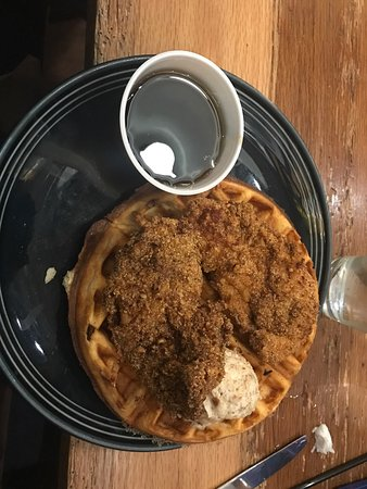 Lancaster, OH: Lobster Mac &a Cheese  Pecan Chicken and Waffles
