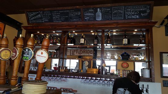 Lift Bridge Brewing Company