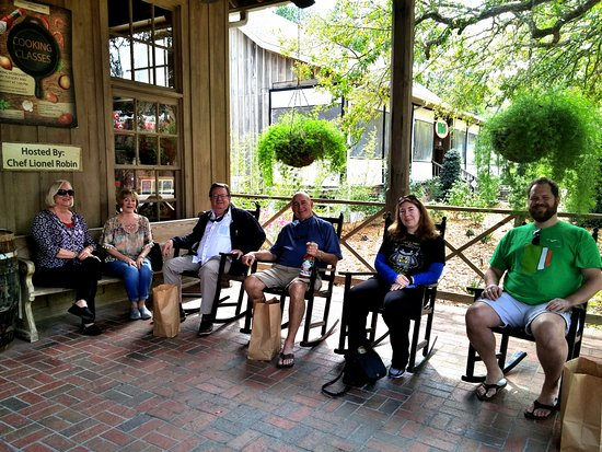 Tabasco Visitor Center and Pepper Sauce Factory: Our group resting after shoppin at the Country Store.