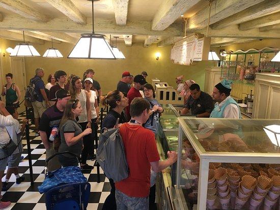 Florean Fortescue's Ice Cream Parlour: Counter