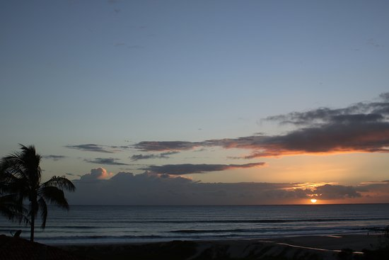 Sandcastles on Currumbin Beach: Daily sunset ... daily photo opportunity !!