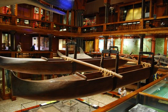 Bishop Museum - Traditional canoes and view of museum
