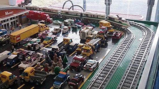 Mississippi Coast Model Railroad Museum: More legos!