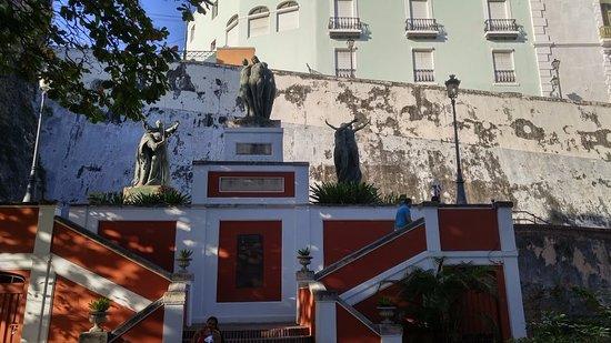 Paseo de la Princesa : monumentos por el recorrido