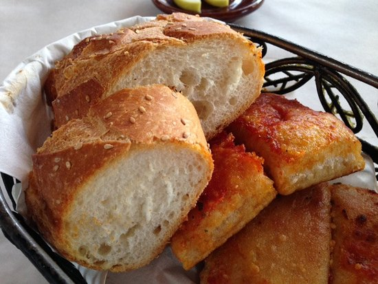 Westbury, NY: Amazing Bread Basket