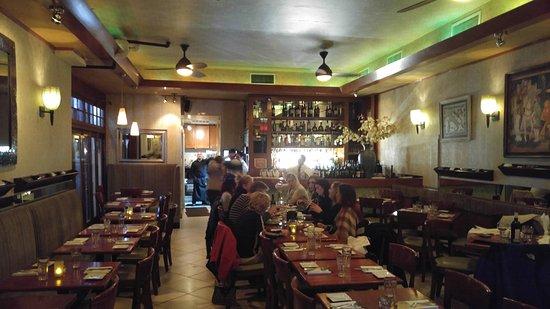 Pietrasanta Restaurant : Inside