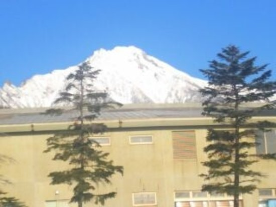 Sun Meadows Kiyosato Highland Park : 八ヶ岳主峰の赤岳