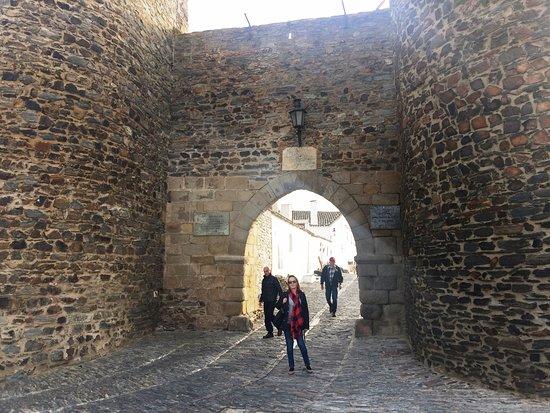 Monsaraz, Portugal: Entrada do Castelo