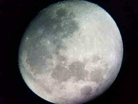 Bickley, Australia: We took this pic of the beautiful Moon through the telescope! WOW <3