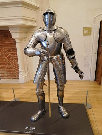 Musée des Beaux-arts de Dijon : One of several suits of armour