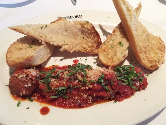 ‪‪Columbia‬, ‪Maryland‬: Italian Meatballs appetizer with garlic bread‬
