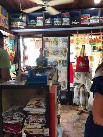 a888a9dadb7da Vila de Porto de Galinhas Beach: Loja de camisetas beijupirarte ... ótima
