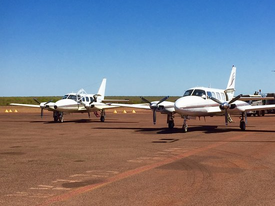 Yulara, Australia: Twin engine