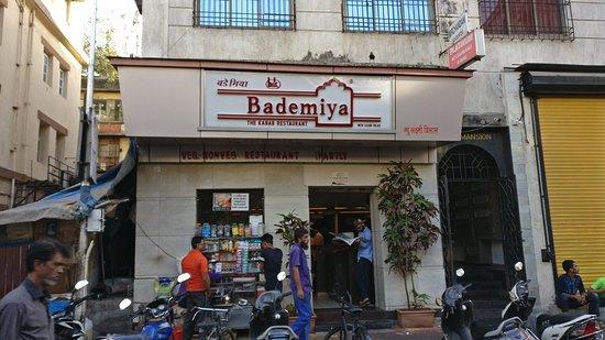 Bademiya: Indeed Iconic place to indulge in Moghlai food