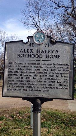 Henning, TN: Alex Haley State Historic Site Interpretive Center