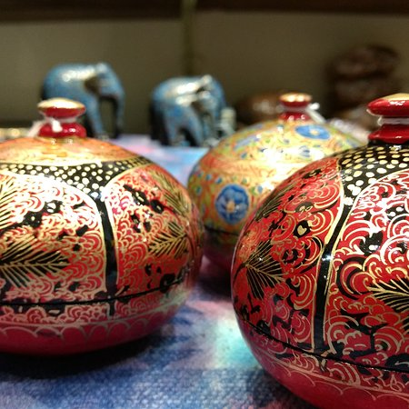 Handicrafts From Rajasthan And Kashmir Available At Handmade India